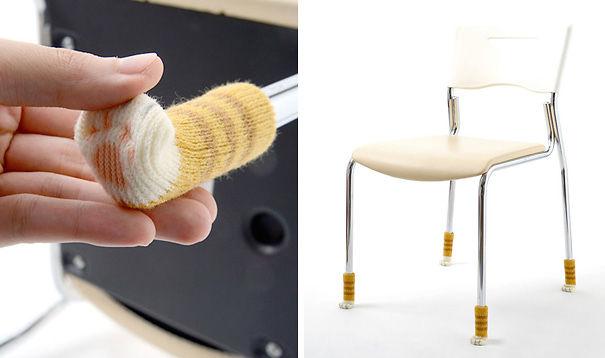 Meinhas , os móveis da casa precisam usar meias para gatos